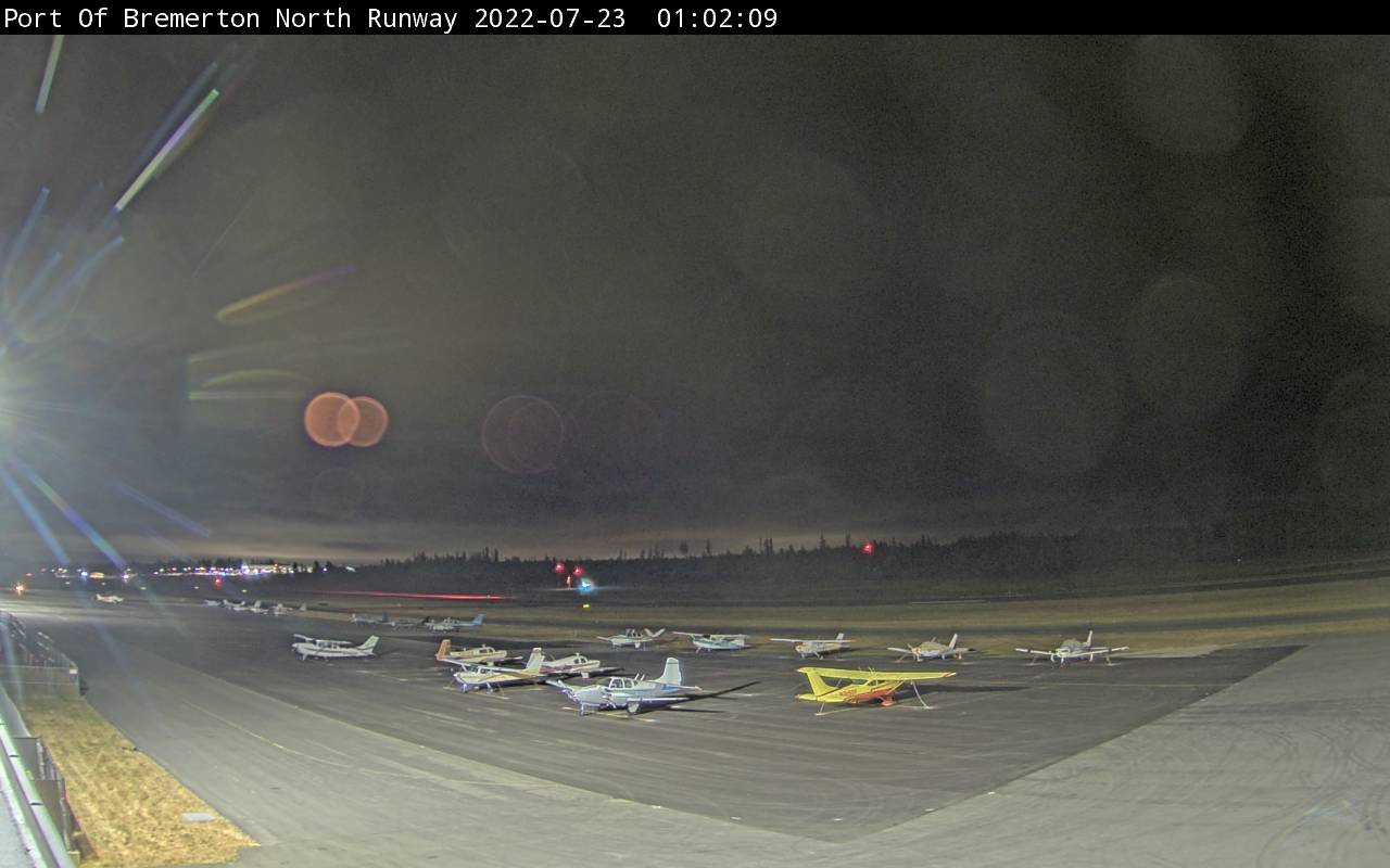 Webcam of North Runway at Bremerton National Airport (KPWT)