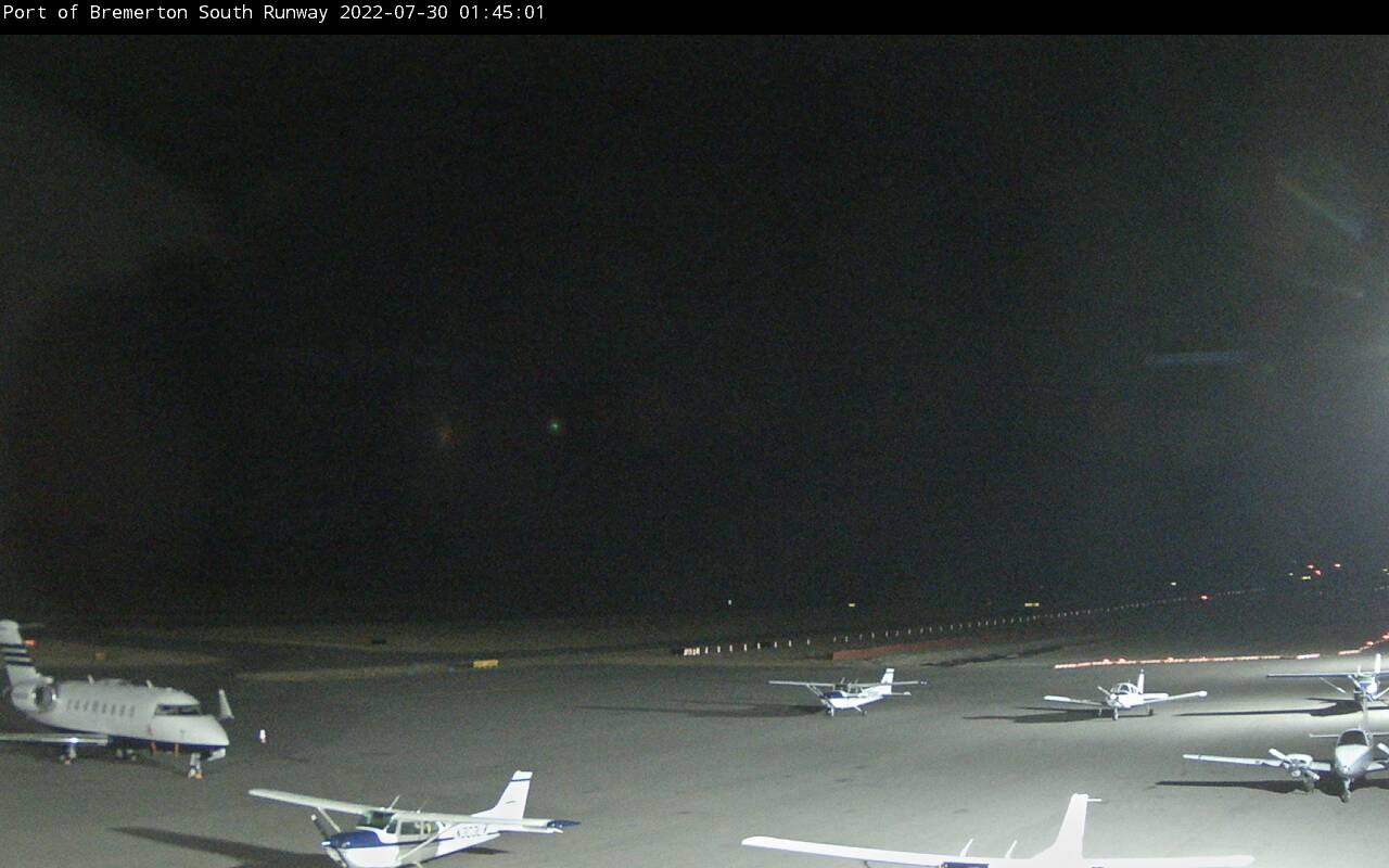 Webcam of South Runway at Bremerton National Airport (KPWT)